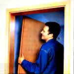 установка и доставка входных металличесих дверей в Москве